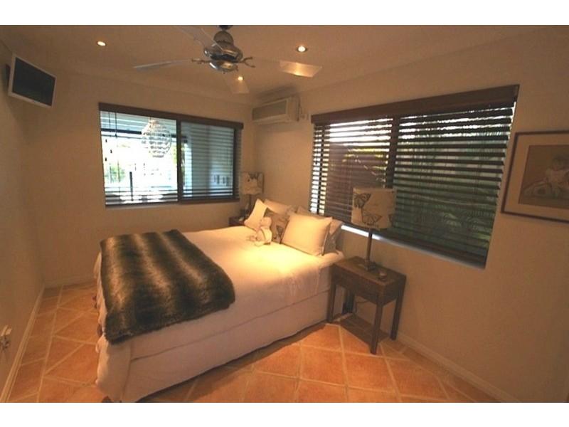 44 Monaco  Street, Broadbeach Waters QLD 4218