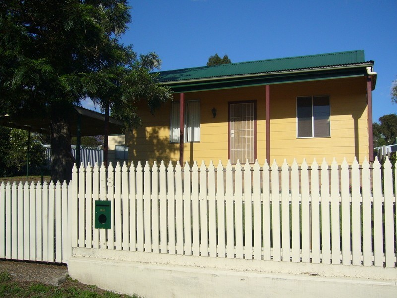 18 Mount Street, Aberdeen NSW 2336