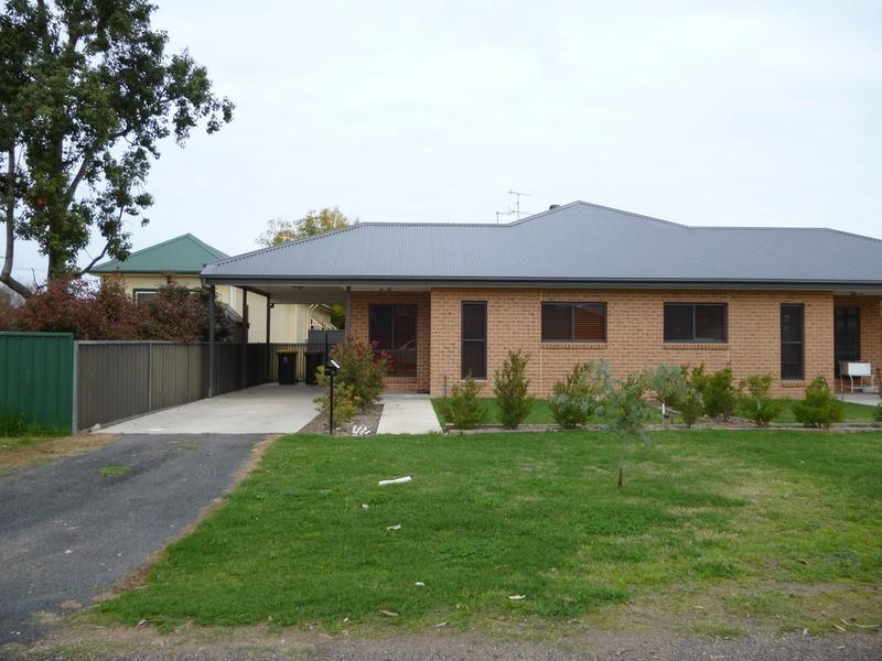 1/11 Nandowra Street, Aberdeen NSW 2336