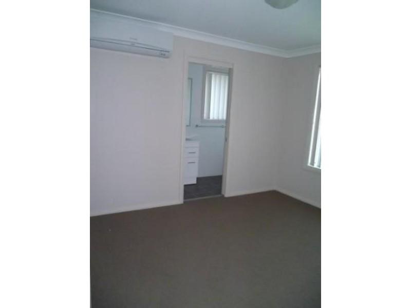 1/3 Alexander Close, Aberdeen NSW 2336