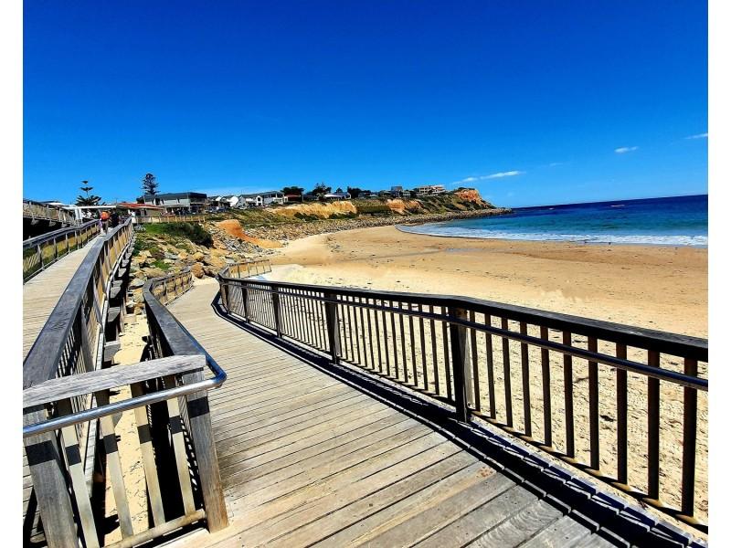 2/32 Esplanade, Christies Beach SA 5165