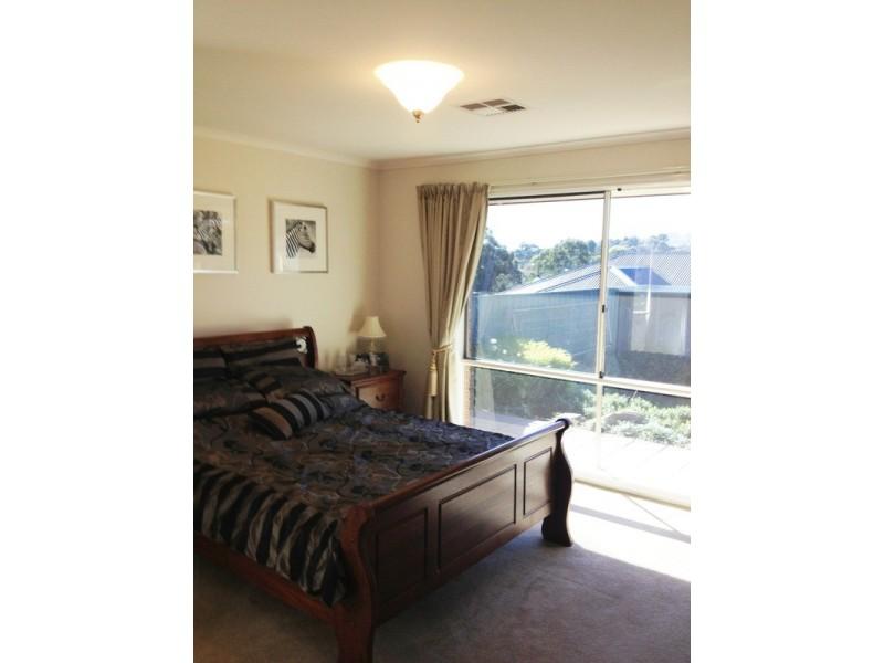 53 Oakridge Road, Aberfoyle Park SA 5159