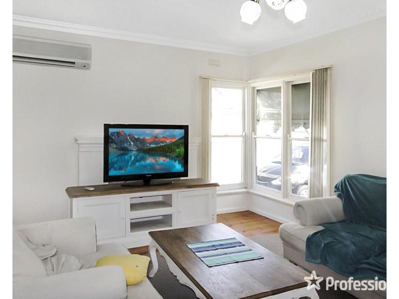 5 Chapel Street, Kangaroo Flat VIC 3555