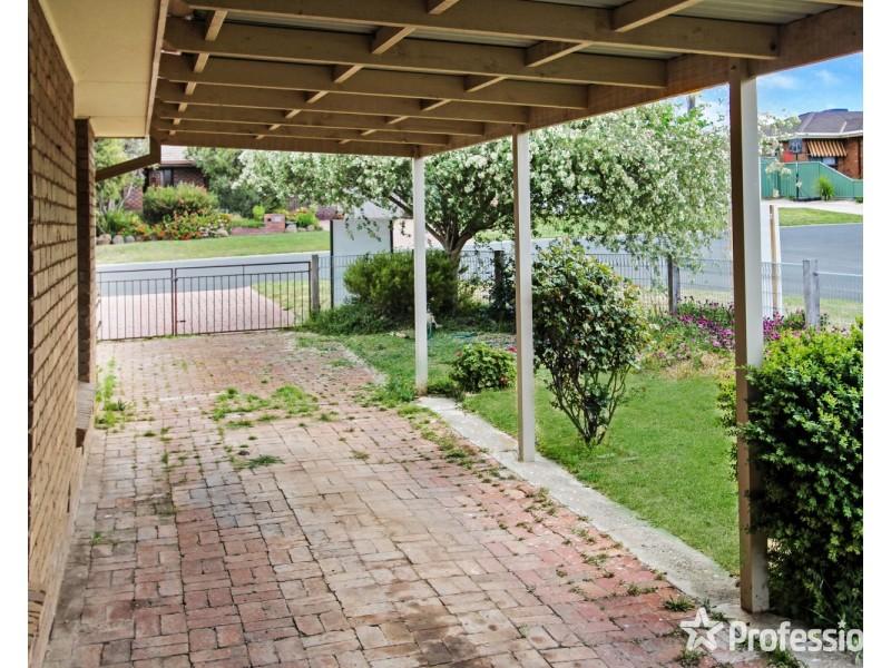 15 Waugh Street, Kangaroo Flat VIC 3555