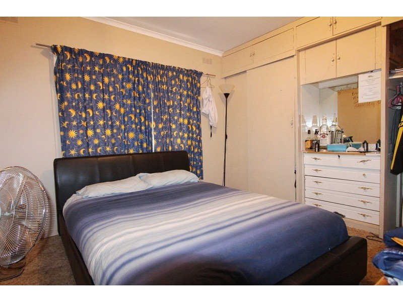 17 Bay Street, Golden Square VIC 3555