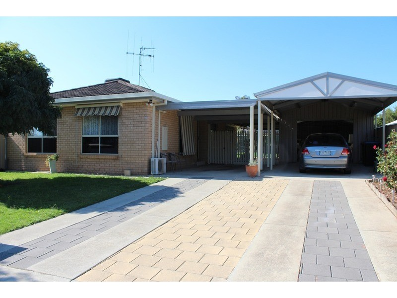1 Wiltshire  Drive, White Hills VIC 3550