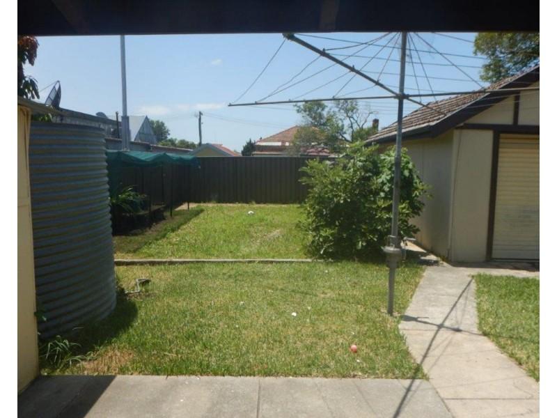 6 Peel Street, Belmore NSW 2192