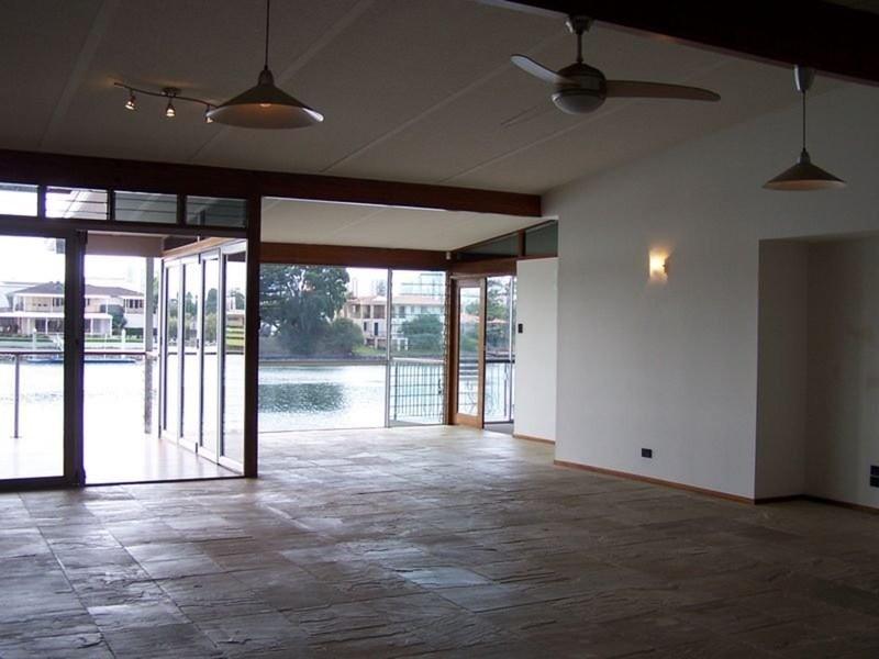 31 Furlong Street, Broadbeach Waters QLD 4218