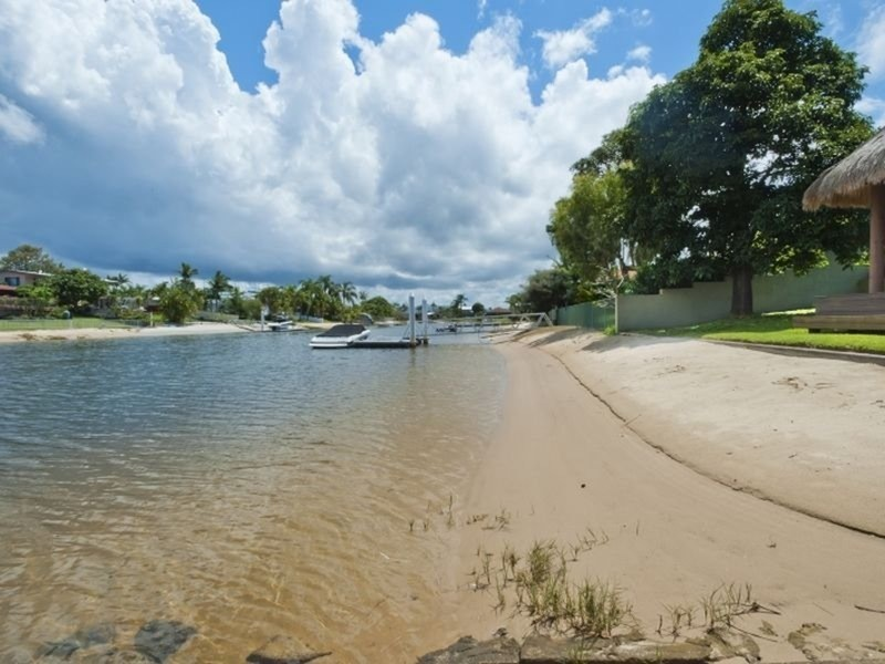36 Moana Park Avenue, Broadbeach Waters QLD 4218