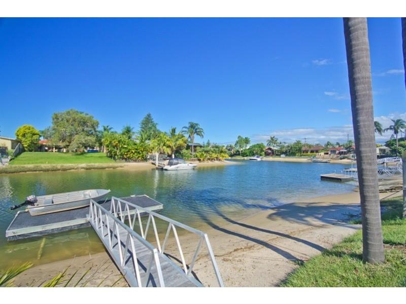 24 Rio Vista Boulevard, Broadbeach Waters QLD 4218