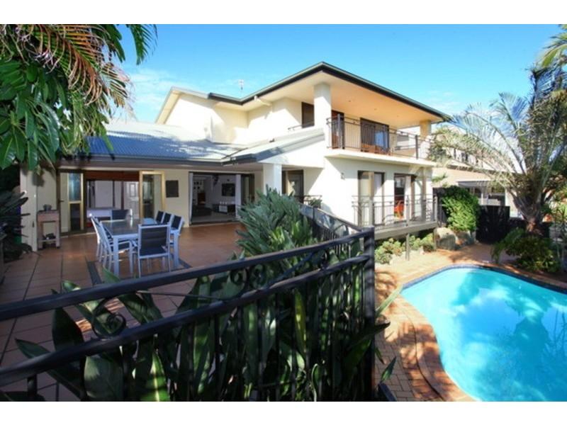 8  Clontarf Avenue, Bundall QLD 4217