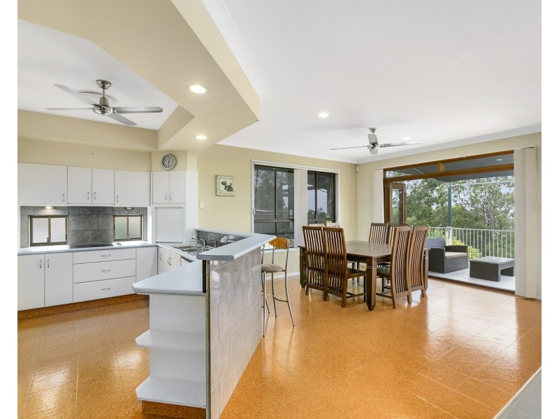 106 Armstrong Way, Highland Park QLD 4211