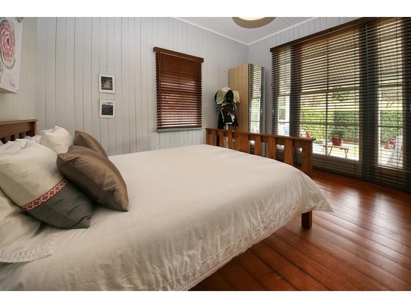 31 Dutton Street, Dutton Park QLD 4102