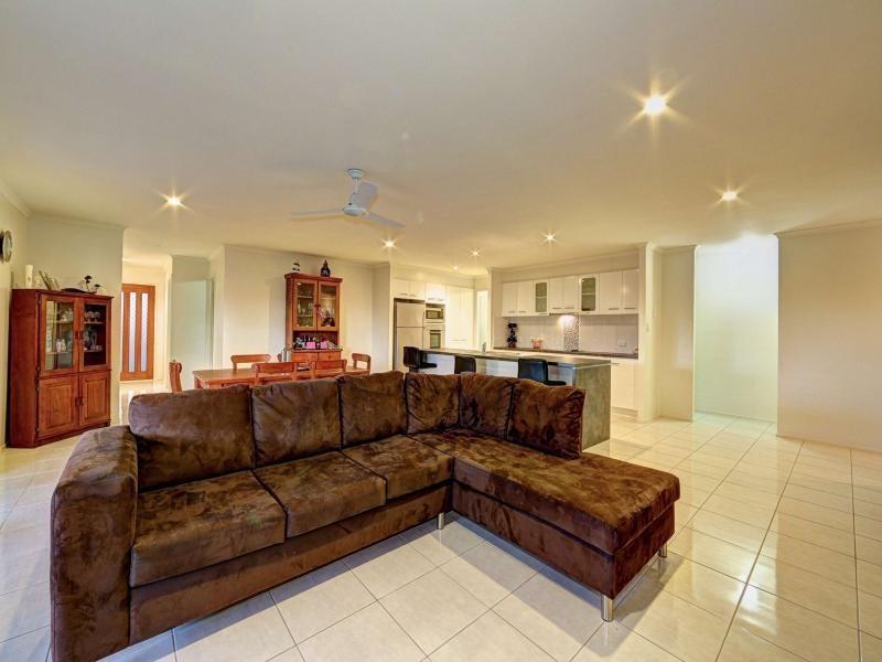 12 Landsborough Street, Bargara QLD 4670