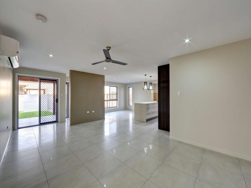 1 /24 Masthead Drive, Bargara QLD 4670