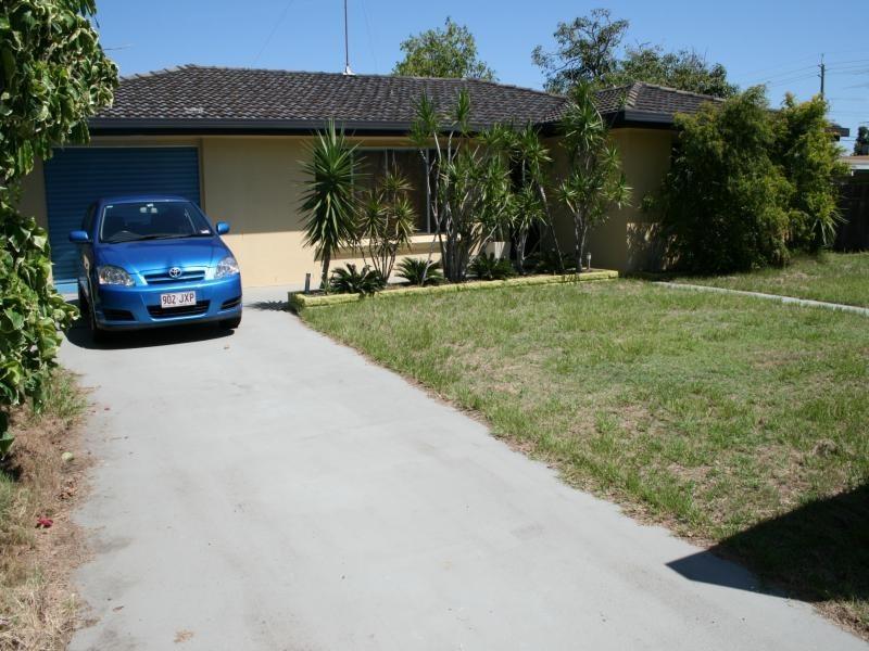 13 Chant street, Broadbeach Waters QLD 4218
