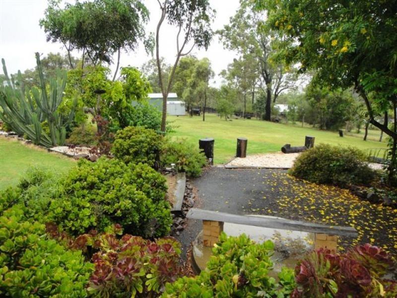 4 Phalaris St, Meringandan QLD 4352