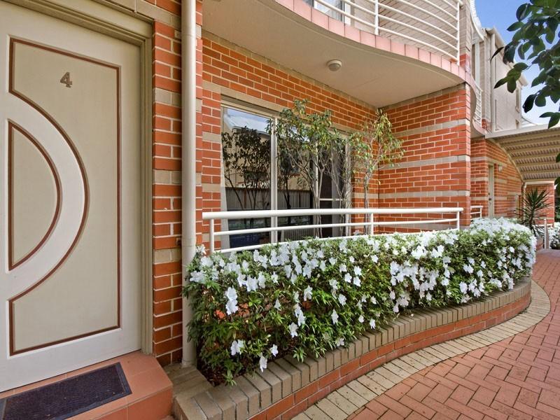4/17A Walton Crescent, Abbotsford NSW 2046