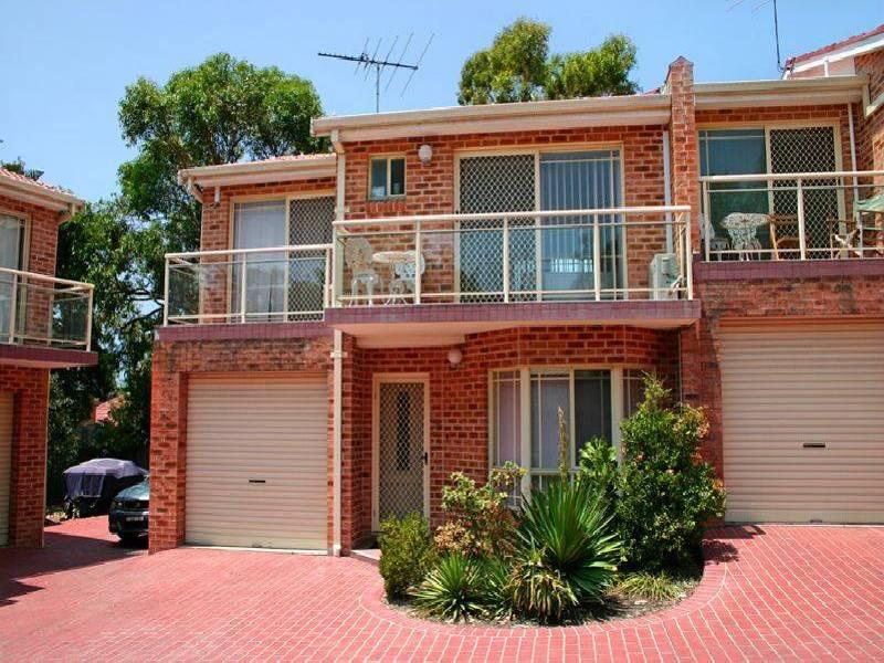 3/8  Carnegie Circuit, Chifley NSW 2036