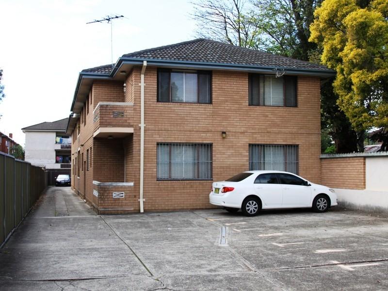 8/25 Sixth Ave, Campsie NSW 2194