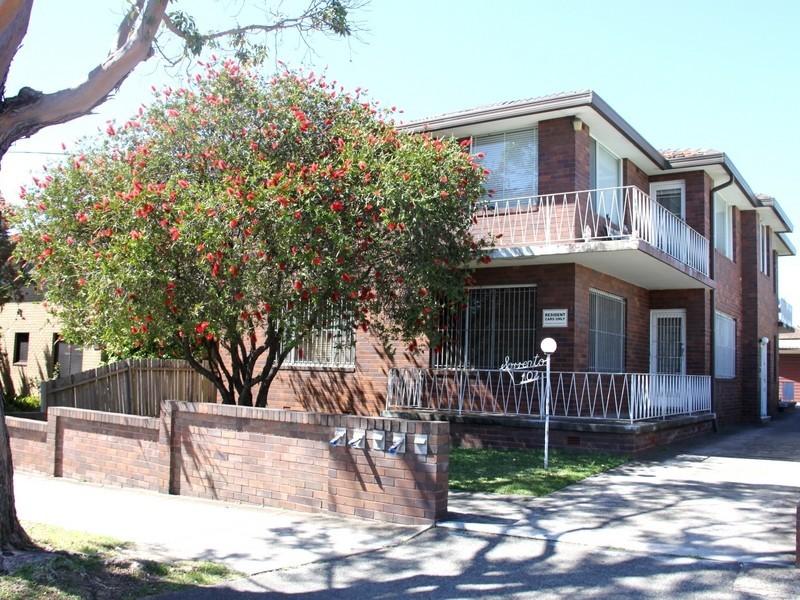 102 Clissold Prd, Campsie NSW 2194