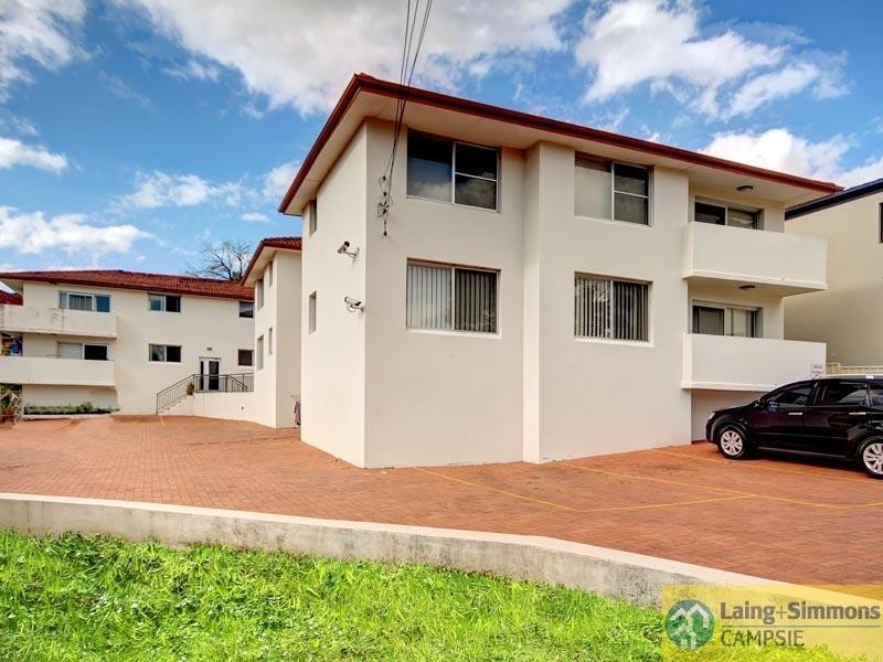 1/51 First Ave, Campsie NSW 2194