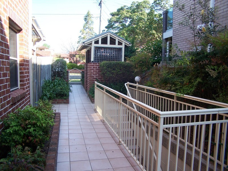 2/106 Edenholme Road, Abbotsford NSW 2046