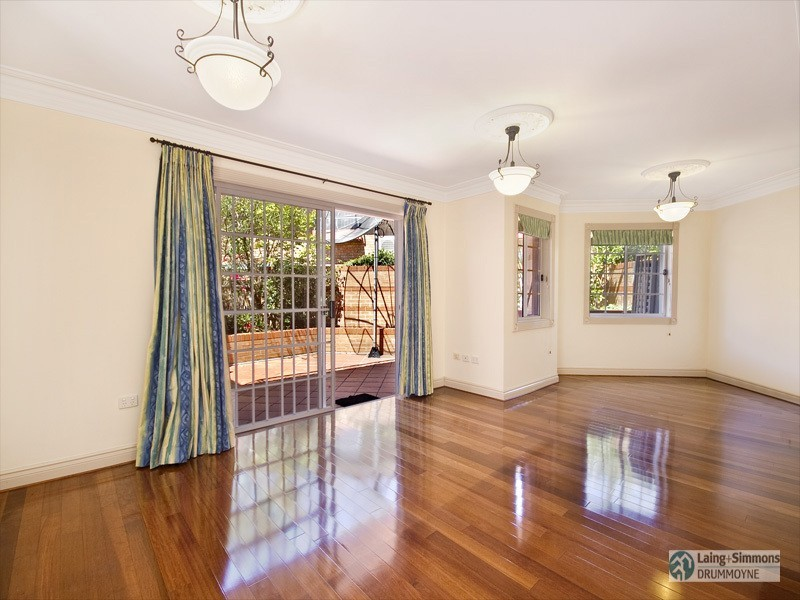 2/11 Montrose Road, Abbotsford NSW 2046