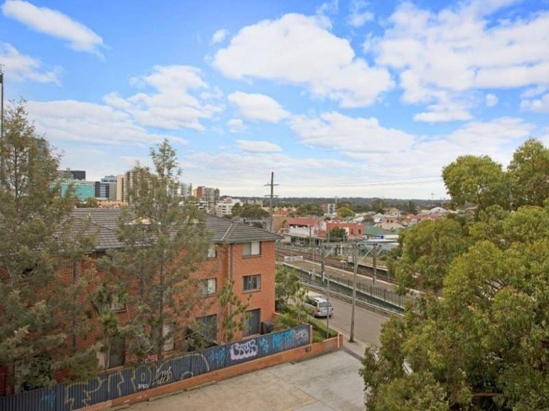 11/21 Station Street, Harris Park NSW 2150