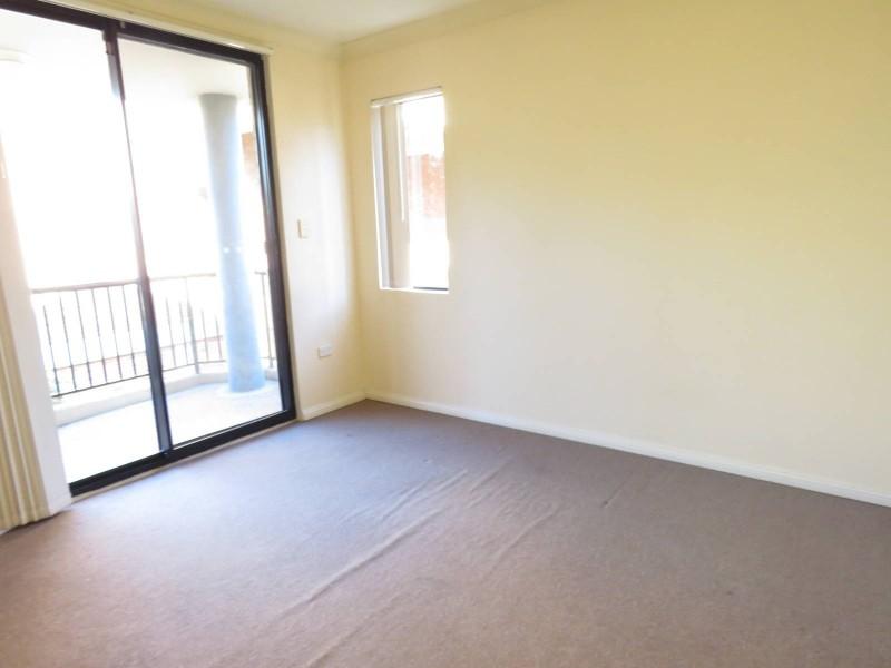 8/66 Stapleton Street, Pendle Hill NSW 2145