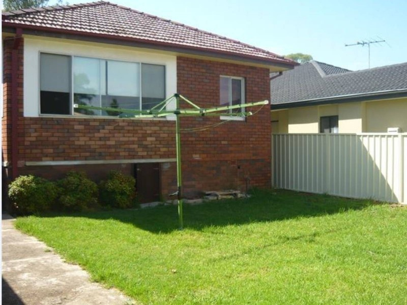 28 Pendle Way, Pendle Hill NSW 2145