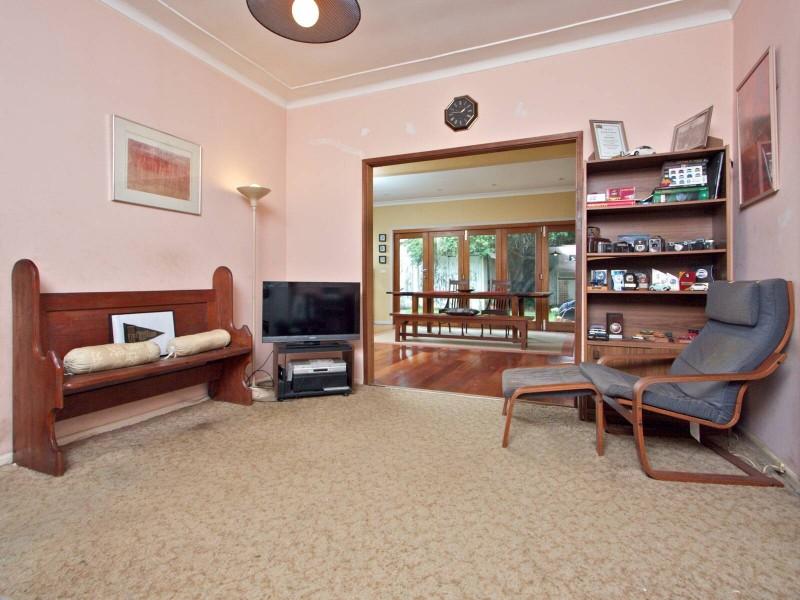 4 Bethel Street, Toongabbie NSW 2146