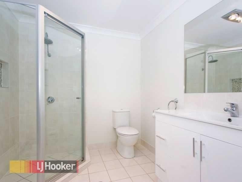 18 Eveleigh Street, Arana Hills QLD 4054