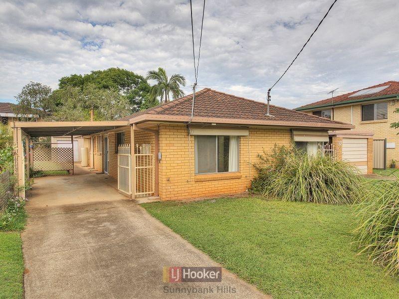 17 Chadford Street, Macgregor QLD 4109
