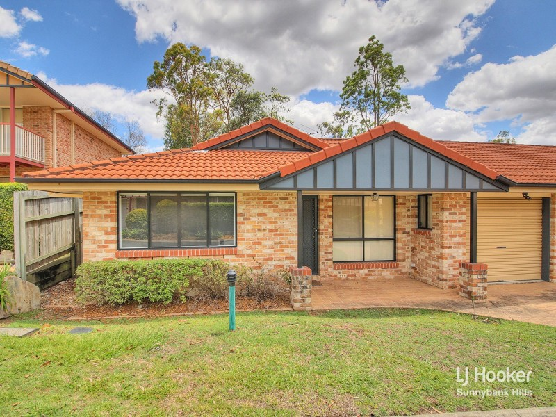 11/8 Honeysuckle Way, Calamvale QLD 4116