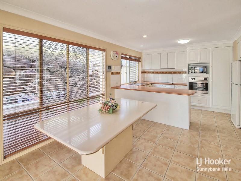 14 Regal Place, Eight Mile Plains QLD 4113