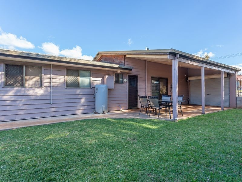 8 Shiraz Court, Blue Mountain Heights QLD 4350