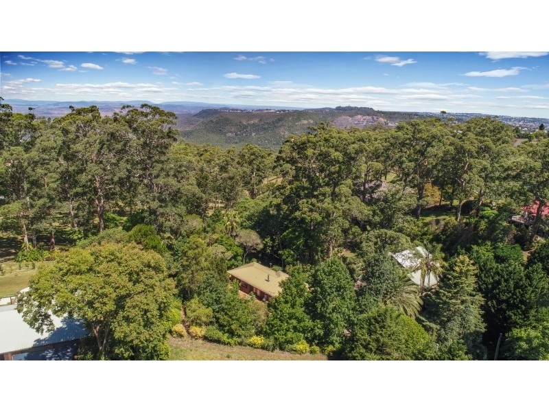 17 Hilltop Crescent, Blue Mountain Heights QLD 4350