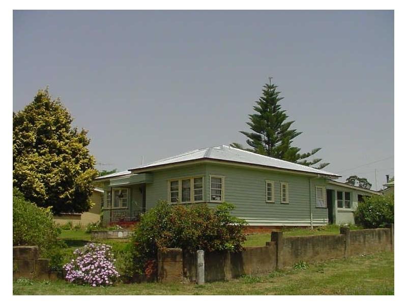2 Violet Street, Harristown QLD 4350
