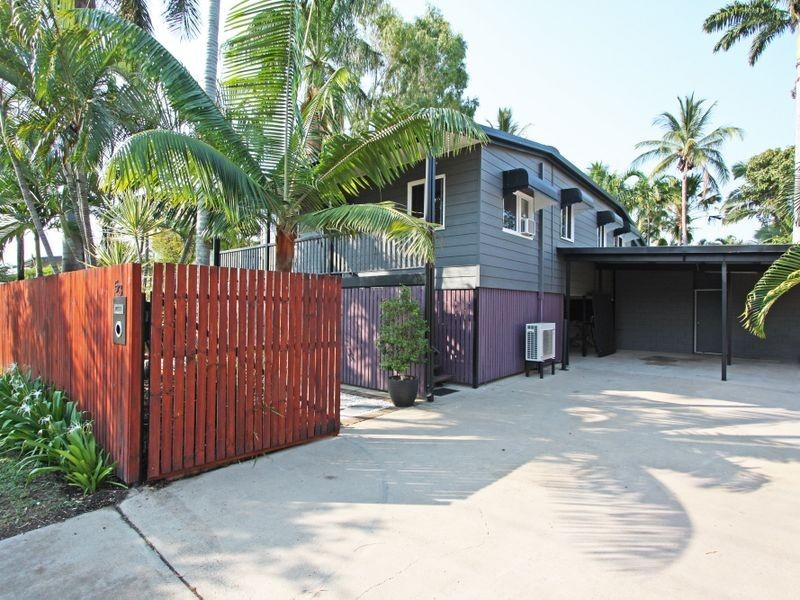 53 Roberts Street, Hermit Park QLD 4812