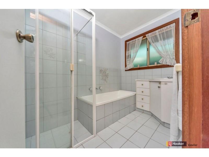 27 McVann Avenue, Paralowie SA 5108