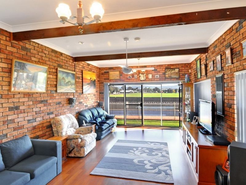 11 Elm Street, Albion Park Rail NSW 2527