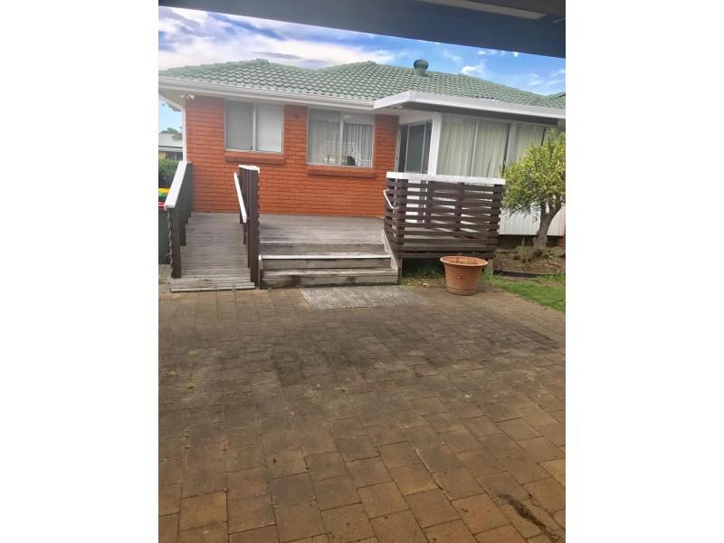 3 Kanahooka Street, Albion Park Rail NSW 2527