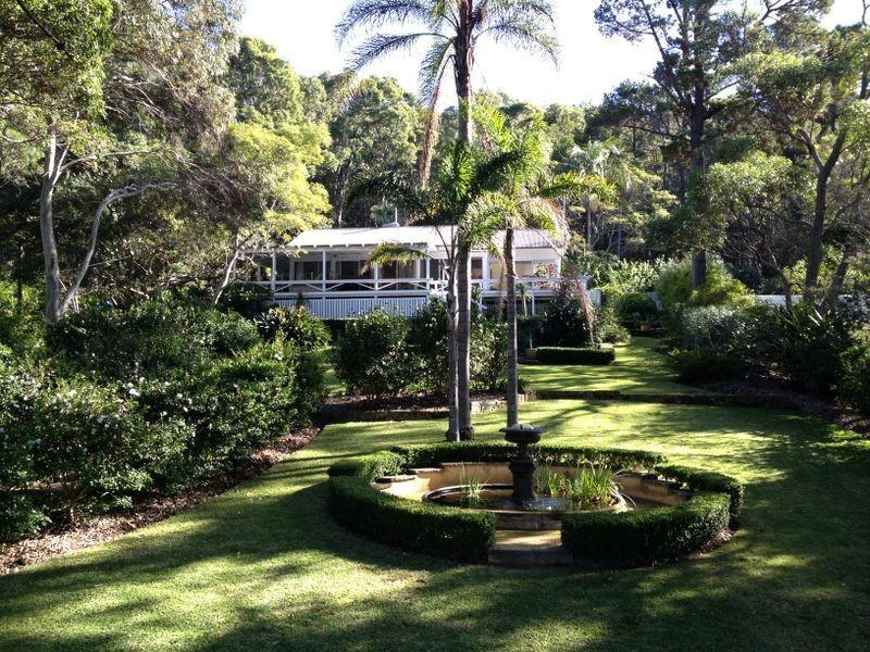 6 Bona Crescent, Lovett Bay NSW 2105