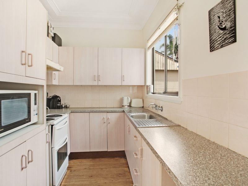 156 Wommara Avenue, Belmont North NSW 2280