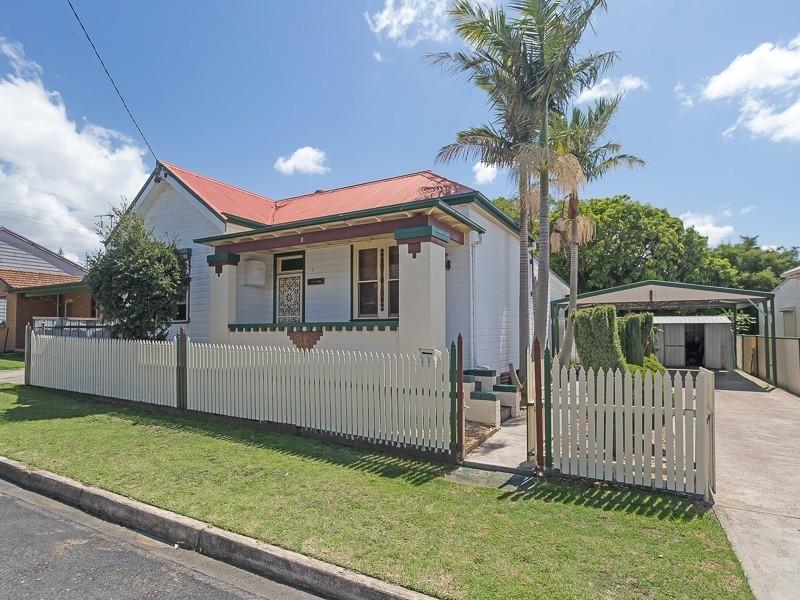 3 Smart Street, Waratah NSW 2298
