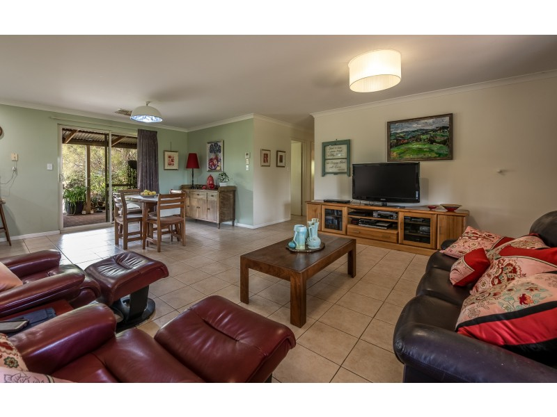 121 (Lot 1 Whitfield Rd, Toodyay WA 6566