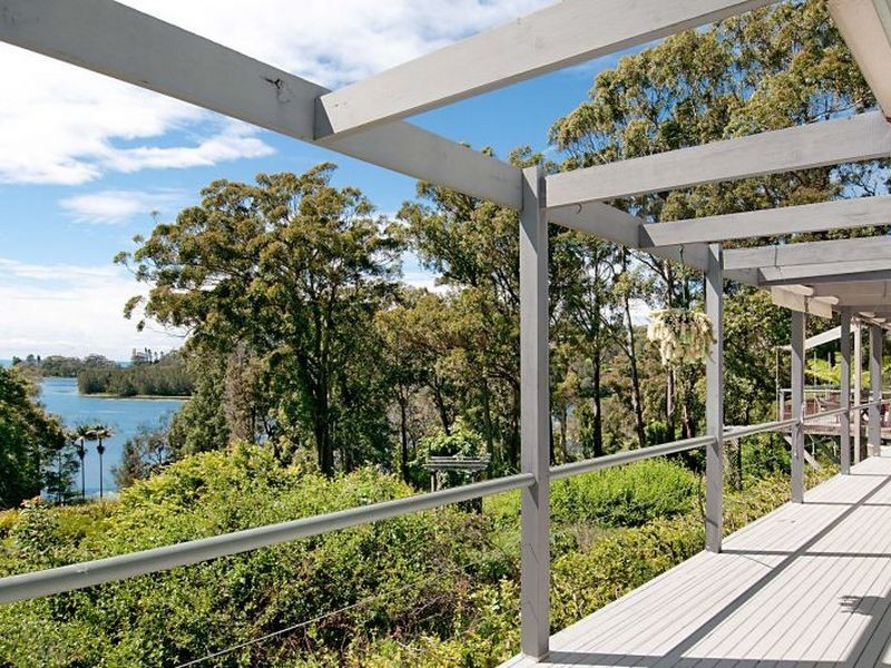 310 Scenic Hwy, Avoca Beach NSW 2251