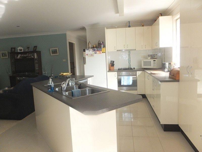 648B Coleridge Road, Bateau Bay NSW 2261