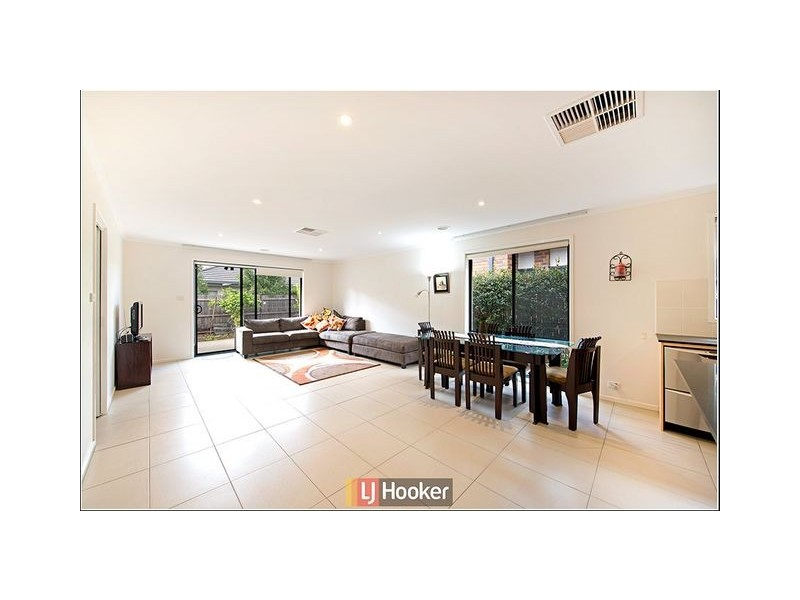 15 Ruth Bedford Street, Franklin ACT 2913